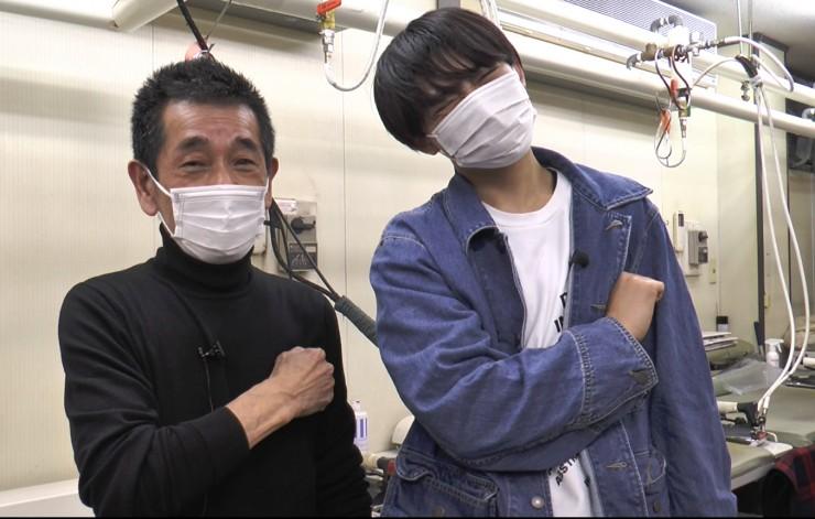 Hi☆Fiveの野口友輔さんが「田下プレス」の人と記念写真