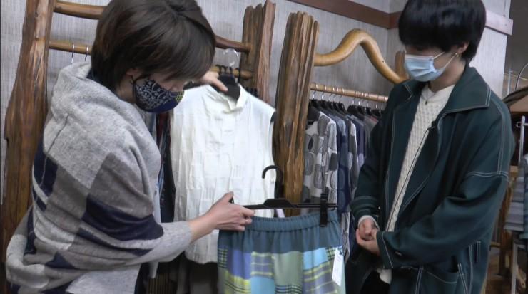 Hi☆Fiveの大谷悠哉さんが<末廣繊維株式会社ミクロコスモ事業部(展示場) >衣女路を取材