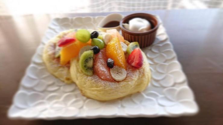 MAG!C☆PRINCEの阿部周平さんが「ハワイアンパンケーキ」を食レポ!