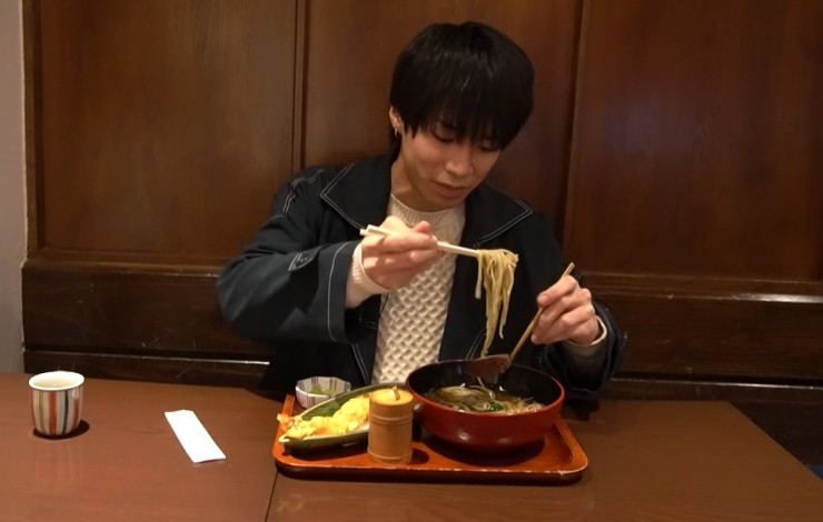 Hi☆Fiveの大谷さんが「吉照庵」で温かい天ぷら蕎麦の大海老