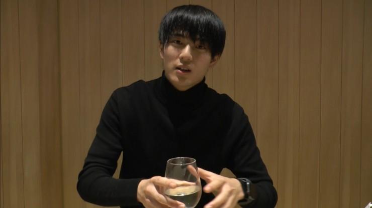 Hi☆Fiveの加藤大悟さんが岐阜の地酒小町酒造「長良川 超辛口」を頂く